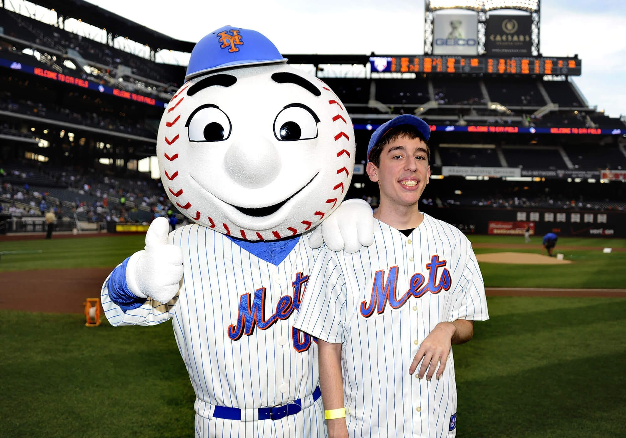 Anthony Giangiobbe Throws First Pitch at Mets Game | AHRC ...