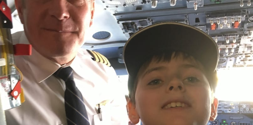 United Pilot Mike Neff with Varter VanOrden in the cockpit