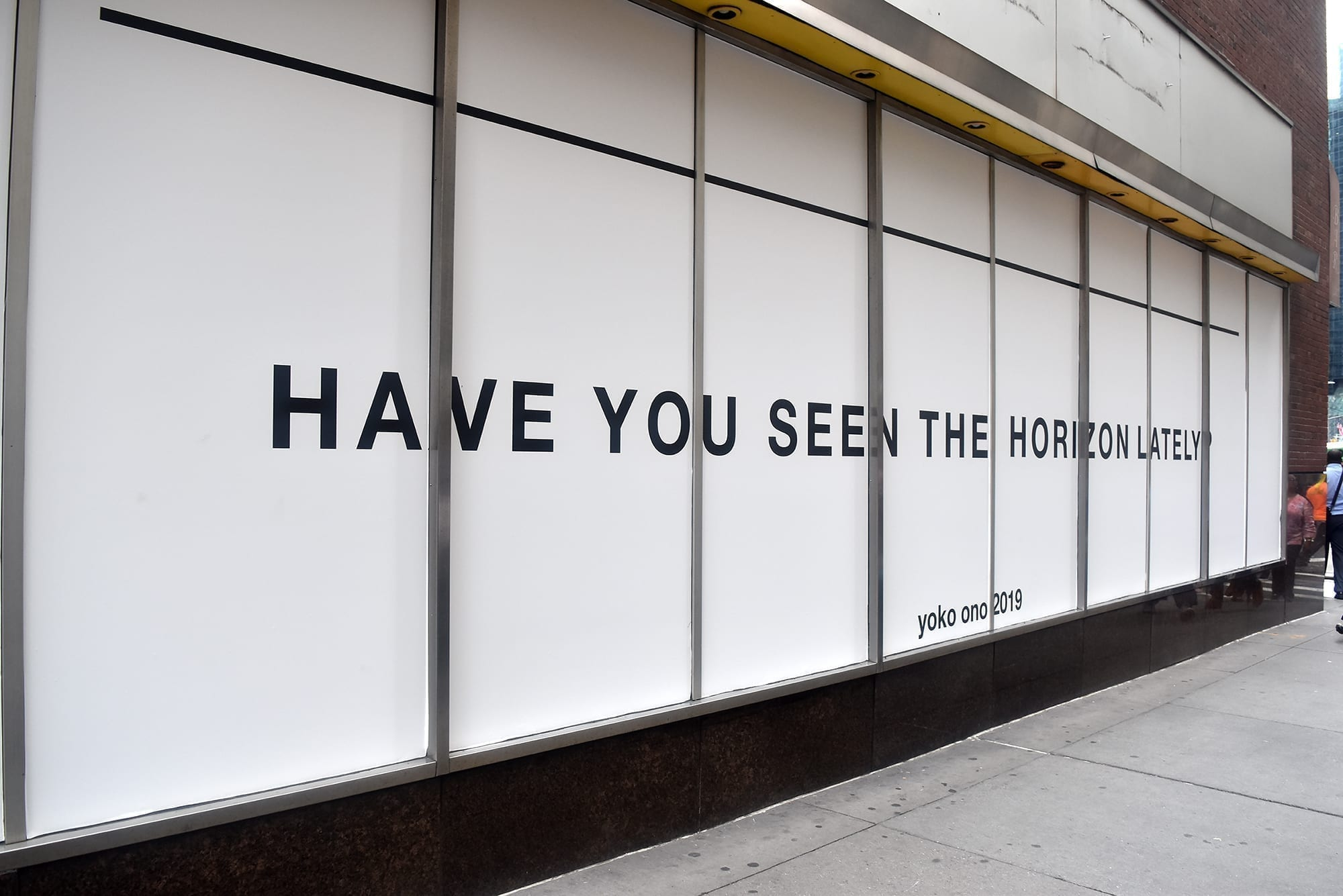 Yoko Ono S Public Artwork Takes Over 83 Maiden Lane And Fidi Ahrc New York City
