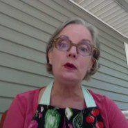 Jennifer Smith as Aunt Em